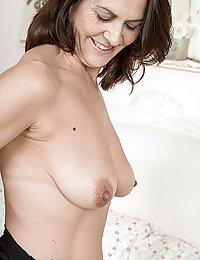 Kaysy hot naked tern hairy pussy pinterest